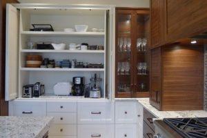 Armoires-garages dans la cuisine